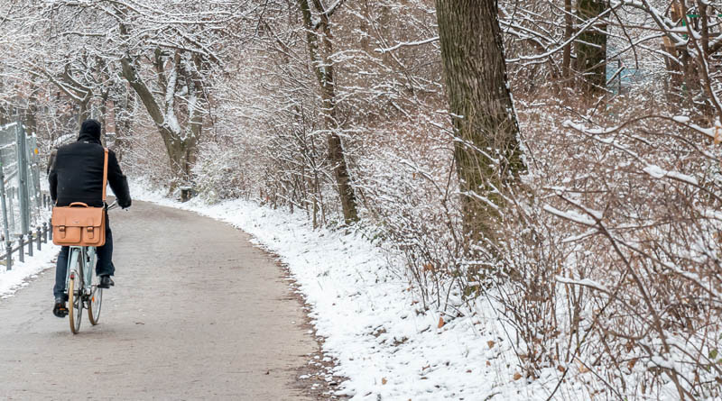 commuting by bike in the winter snow