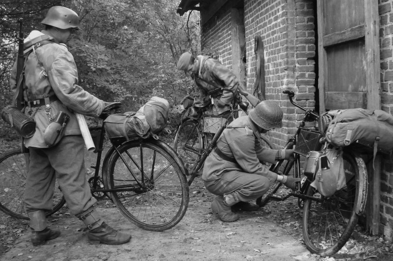 military bicycles of world war two